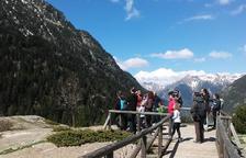 """Decenas de familias cazan las """"Encantàries"""" en La Vall de Boí"""