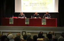 El cardenal Joan Josep Omella (a la dreta), al costat del bisbe de Lleida, ahir a l'Acadèmia Mariana.