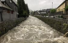 El Garona a su paso por Arties, en el municipio de Naut Aran.