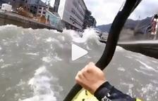 VÍDEO. Baixen en caiac pel riu Valira a Andorra