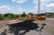 Les Borges repara los baches de su red de caminos locales