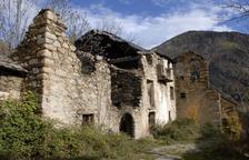 Imatge actual d'Àrreu, després de tres dècades d'abandó.