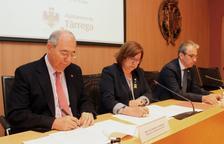 La signatura del conveni a l'ajuntament de Tàrrega.