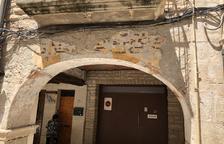 Les Borges rehabilita los porches de la plaza 1 d'Octubre