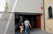 La Guardia Civil registra tres ayuntamientos de Girona