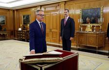 Guirao promet com a ministre de Cultura davant del rei en presència de Sánchez