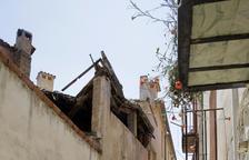 Desallotjats cinc veïns a Balaguer a l'esfondrar-se el sostre d'una casa