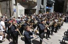 Les bandes van omplir la plaça Paeria de música durant la jornada d'ahir, que va culminar amb el concurs a l'Auditori Enric Granados.