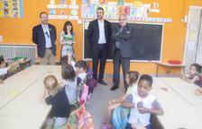 El delegat, Carles Vega, amb l'alcalde d'Agramunt, Bernat Solé, i el conseller Bargalló a Agramunt.