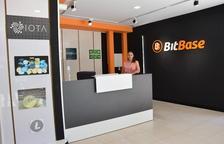 Primera botiga de comerç de criptomonedes de Lleida
