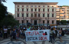 Manifestació pels drets dels temporers, ahir, a Lleida.