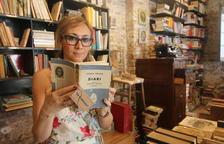 Estefanía Reñé compró el volumen en catalán en el mercado dels Encants de Barcelona y lo tenía en su librería de Lleida.