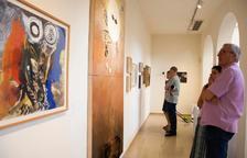 Visitants a l'exposició temporal a l'Espai Guinovart, fins al 30 de setembre.