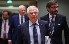 """Borrell, preocupado por el """"desvío"""" de migrantes a España"""