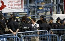Detenen 42 refugiats que intentaven arribar a l'illa grega de Lesbos