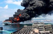 Una treintena de heridos en el incendio de un barco turístico frente a Illa da Toxa