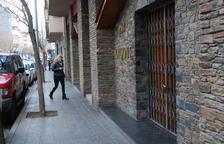 El local està situat al carrer Mare Janer.