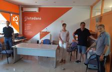 Llancen pedres i pintures contra la seu de Ciutadans a Lleida