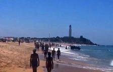 La oleada de pateras no cesa, con 300 personas llegadas a la costa ayer
