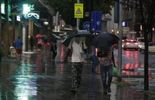 Lluvia ayer miércoles en la ciudad de Lleida.