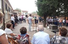 El acto de dignificación tuvo lugar el domingo por la tarde y contó con la asistencia de decenas de vecinos.