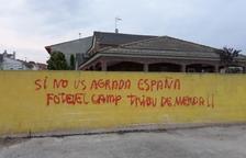 Denuncien pintades contra el sobiranisme en cases de Vallfogona de Balaguer