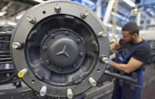 Daimler llama a talleres a un millón vehículos en Europa por las emisiones de diésel
