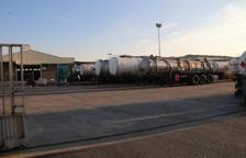 Cisternes a les instal·lacions de l'empresa on va tenir lloc la fuga d'àcid clorhídric.