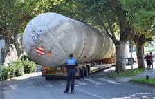 Expectació a la Seu d'Urgell pel trasllat de quatre tancs de gas propà
