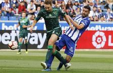 Una mitad para cada equipo y empate sin goles entre Alavés y Betis
