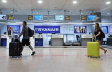 Mostradors de Ryanair a l'aeroport de Barajas.