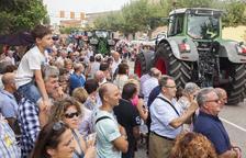 Vista del públic durant els Tres Tombs, en els quals va participar el tractor més antic de la zona, un Lanz del 1952 conduït per Josep Aldabó.