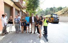 El alcalde Fèlix Larrosa ha visitado las obras de mejora del firme de Cardenal Cisneros.