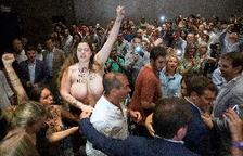 Dos mujeres irrumpen en un acto de Cs para protestar por la gestación subrogada