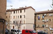 Vecinos de Ramiro Ledesma plantean comenzar el derribo por este edificio de la izquierda.