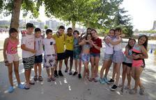 Alumnos de un colegio de Lleida el último día de clase del curso pasado, el 22 de junio.
