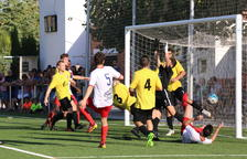 El Linyola goleja per sumar la primera victòria