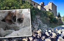 Cae parte de la antigua muralla medieval de Torà