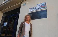 Cristina Simó, davant l'Escola de Música de Mollerussa, el seu col·legi de l'1-O.