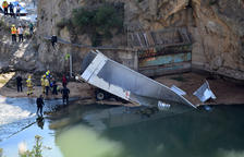 Muere un camionero tras caer al río Segre desde el puente de Peramola