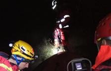 Rescatan ilesos a dos escaladores atrapados una noche en el Solsonès