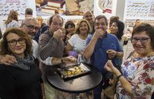 Los miles de visitantes a la feria pudieron degustar distintos tipos de turrones.