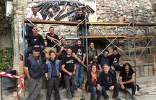 Durant la trobada dels forjadors de Llimiana de diumenge es va crear una silueta del Montsec.