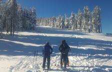 Cuatrocientas personas estrenan la temporada de esquí de fondo en Tuixent-La Vansa y Lles