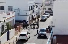 Detingut un jove de 19 anys per matar la seua mare a Sevilla