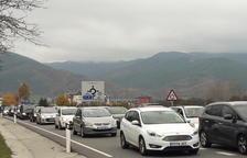 Ferits en diversos accidents i llargues cues entre la Seu i Andorra