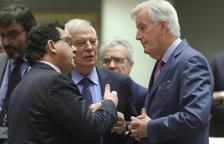 """ERC y PDeCAT exigen que Borrell se disculpe y dicen que """"nadie escupió"""""""