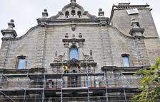 Culminan la recuperación de la fachada de la colegiata de Guissona