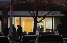 Almenys cinc morts en dos tirotejos als Estats Units