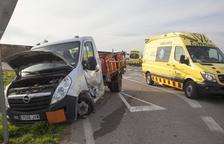 Un ferit en un xoc entre una camioneta i una furgoneta